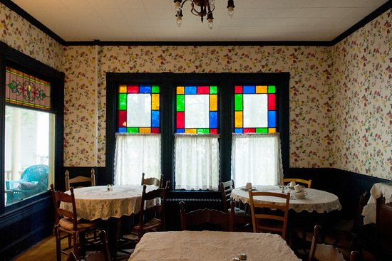 Fleischmanns, NY: Charming dining area.