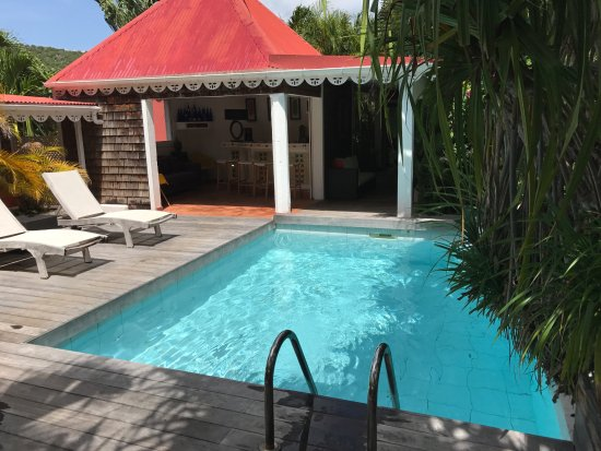 Salines Garden Cottages: the small but useful pool