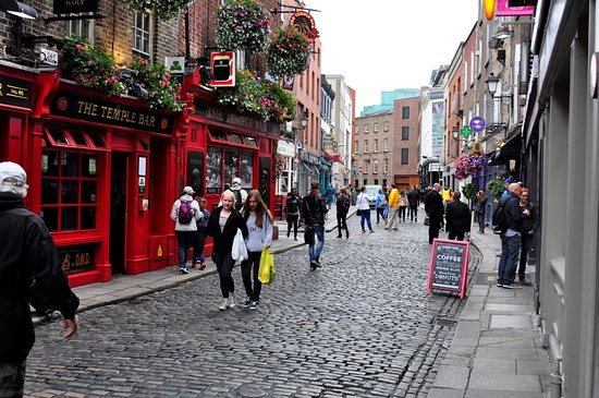 Temple Bar Hotel: The street the hotel is in
