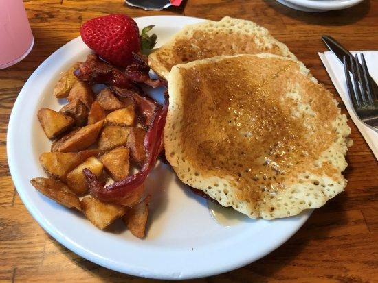 Cedar House Restaurant Photo