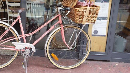 photo de la bicyclette rose annecy tripadvisor. Black Bedroom Furniture Sets. Home Design Ideas