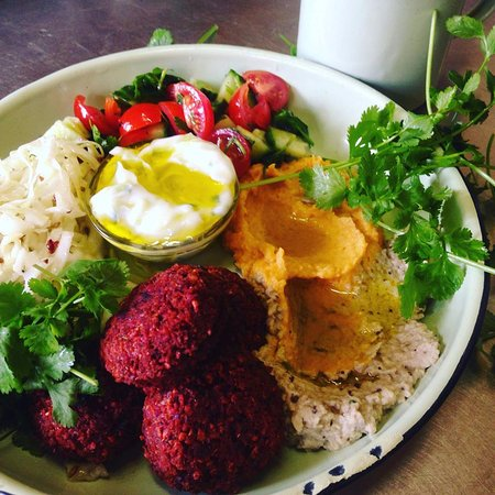 Chicory Cheese Cafe: Beetroot falafels