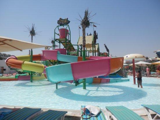 Thalassa Sousse Resort & Aquapark: Bazén a tobogány pre najmenších