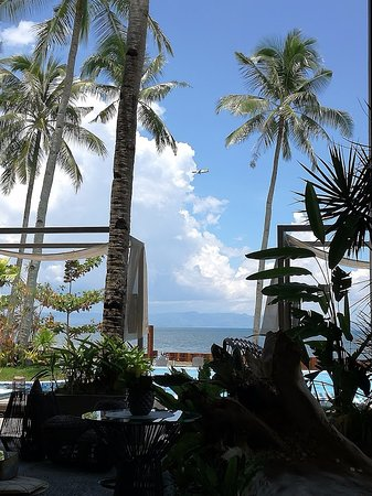 Palo, Filipinas: hé oui les avions passent le long de la plage :-)