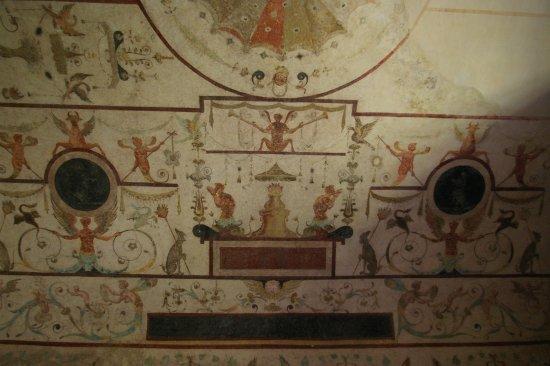 Chareil-Cintrat, Francia: Muurschildering