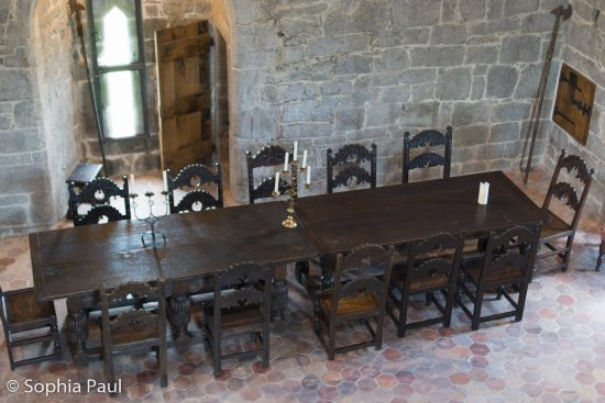 Claregalway, Ιρλανδία: The furniture was collected all over Europe to match the castel.