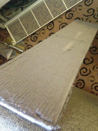 Ulemiste Hotel: filtro con 1 cm di polvere completamente intasato