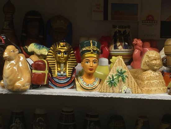 Salt and Pepper Shaker Museum : Egyptian Theme