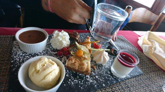 Les Saisies, Prancis: Thé gourmand (6 desserts délicieux !)