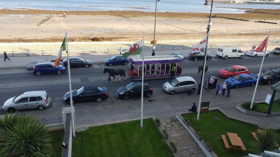 The Empress Hotel: Horse drawn tram