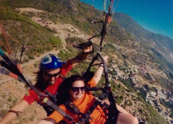 Monart City Hotel: Paragliding ulusky at cleopatra beach