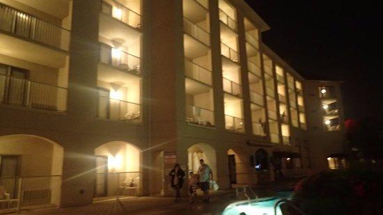 Music Road Resort Inn: Hotel at Night