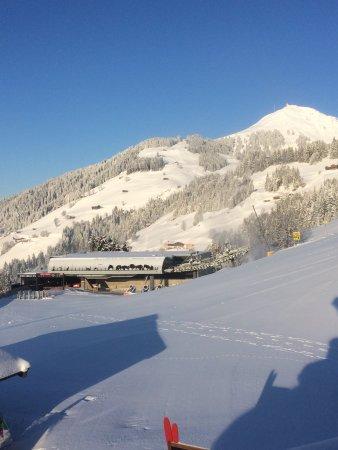 Brixen im Thale, Αυστρία: Blick auf die Jochbahn und Hohe Salve