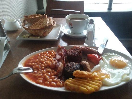 Aroma Coffee House: Breakfast