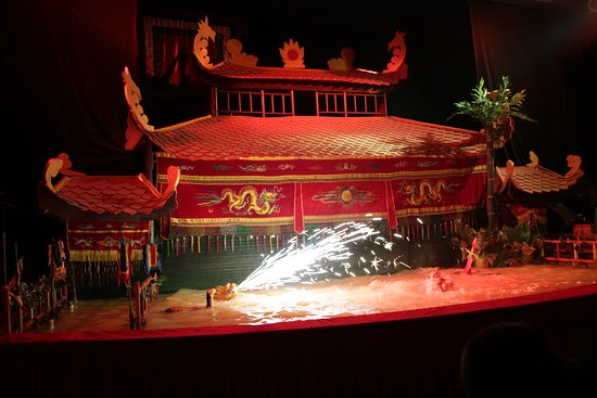 Golden Dragon Water Puppet Theater: Theater Vorstellung im Wasserpuppen Theater