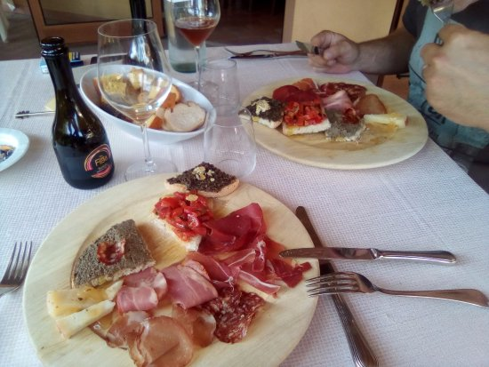 Pilonico Paterno, Italia: Degustazione antipasti in chiave Umbra