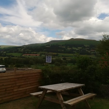 The Kestrel Inn: The spectacular view from the beer garden