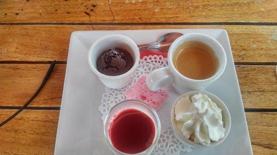 The exquisite café gourmand at La Cabane