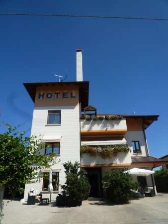 Small Hotel Royal: L'albergo esternamente