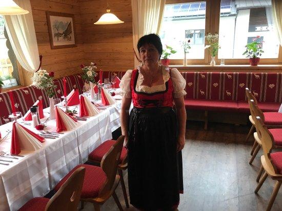 """Reith bei Kitzbuehel, Oostenrijk: Hier sind wir im Reitherl Mit den """"Wirtsleut"""" Roman und Anna Frische Pilze aus heimischen Wäl"""