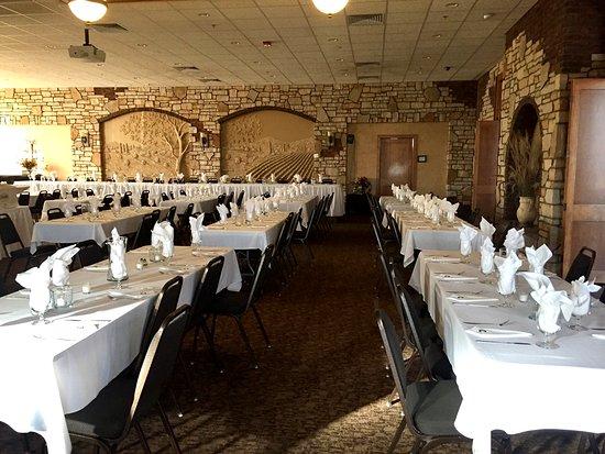 Carroll, IA: Wedding reception at Santa Maria.