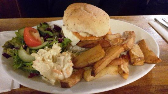 Swan Inn: Halloumi Burger