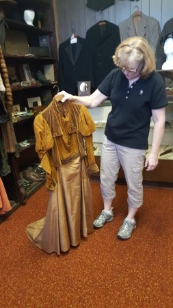 Williamson County Historical Museum and Library: Clothes from the time