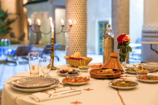 Restaurant Palais Houyam: Special Tagine with a selection of Moroccan Salades served at Palais Houyam 