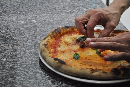 Vizzini, Włochy: Pizza margherita