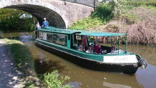 Chorley, UK: Crossley, our green boat, now with a roof covering the front deck.