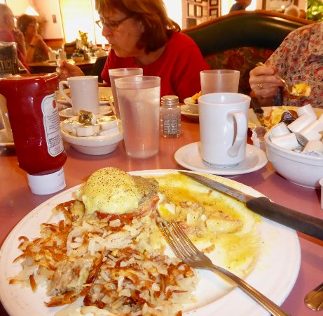 Morris, IL: Half way thru my Eggs Benedict, Southern style