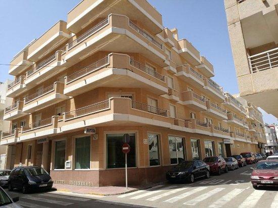 Apart hotel sole bello la mata espagne voir les for Apart hotel espagne