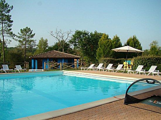 Etang vallier resort hotel brossac france voir les for Piscine vallier
