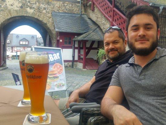 Braunfels, Γερμανία: Llegaron las cervezas