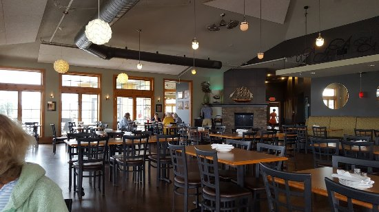 Dockers Fishhouse: Inside dining area