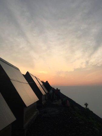 Mount Nyiragongo: Huts at the top