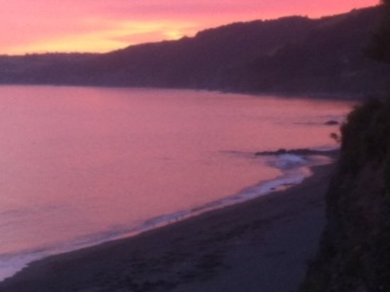 Inn on the Shore: Downderry beach in the sunset