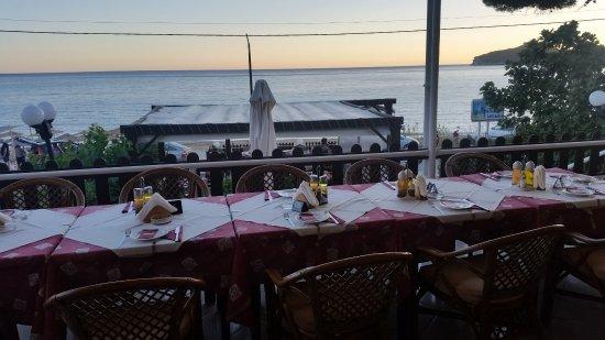 Ammos Seaside in Saint George: 20170906_194440_large.jpg