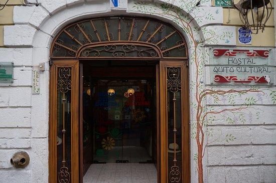 Hostal Quito Cultural: Entry