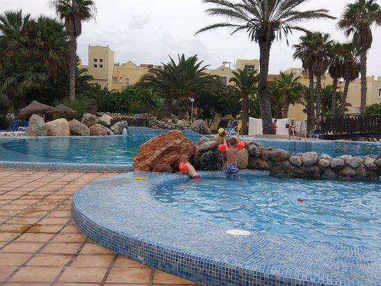 Apartamentos Moguima: pool