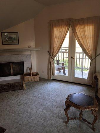 Little River, CA: Mendocino Suite - Living Room