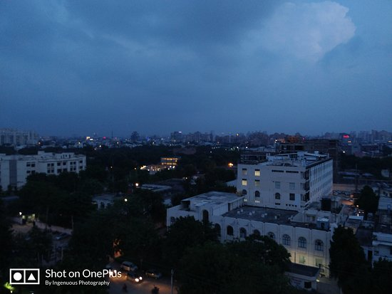 Gurgaon District, Indien: Few shots of skyscape from my office