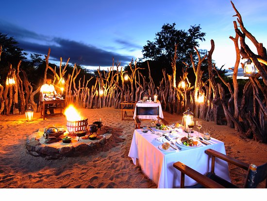 جوك سفاري لودج: Outdoor dining under African skies in the Kruger National Park