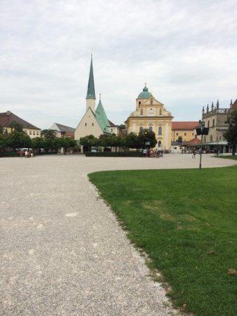 Pilgerweg: the little church of miracles