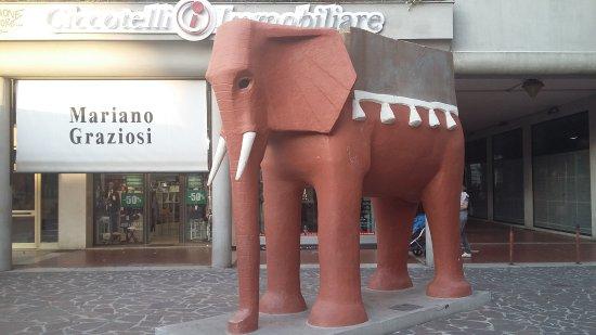 L'Elefante di Vicentino Michetti