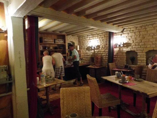 Hôtel La Pêcherie : Salledu petit déjeuner , bien agréable.