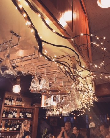 Woods Hole, MA: The bar at Water St. Kitchen