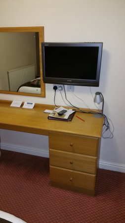 Holt, UK: Sideboard and TV