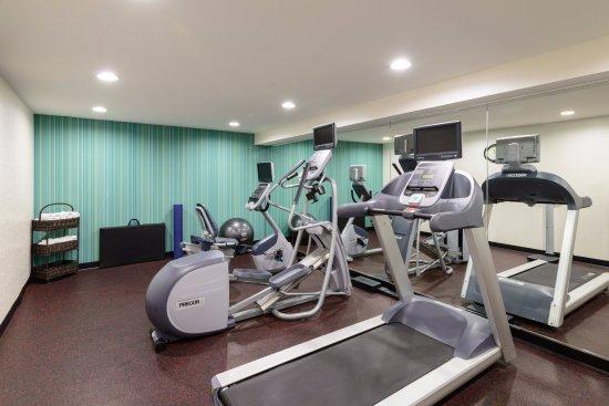 fitness center picture of holiday inn express new york city rh tripadvisor com