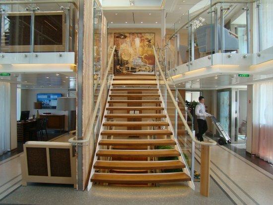 Lignan-De-Bordeaux, Fransa: Grand entrance Foyer